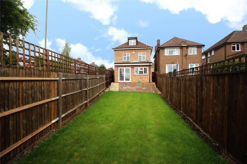 4 Bedrooms Detached House for sale in Knoll Drive, Southgate, London, N14