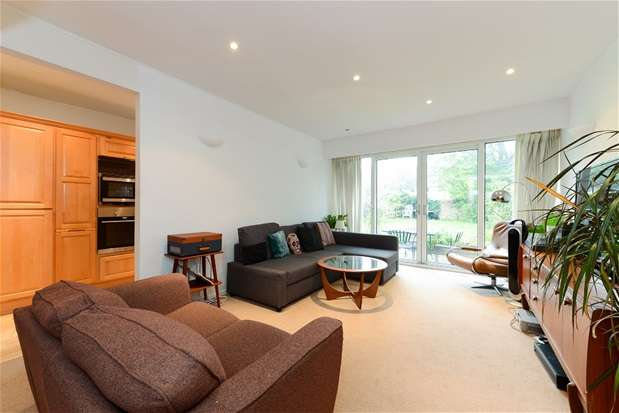 3 Bedrooms Terraced House for sale in Giles Coppice, Upper Norwood