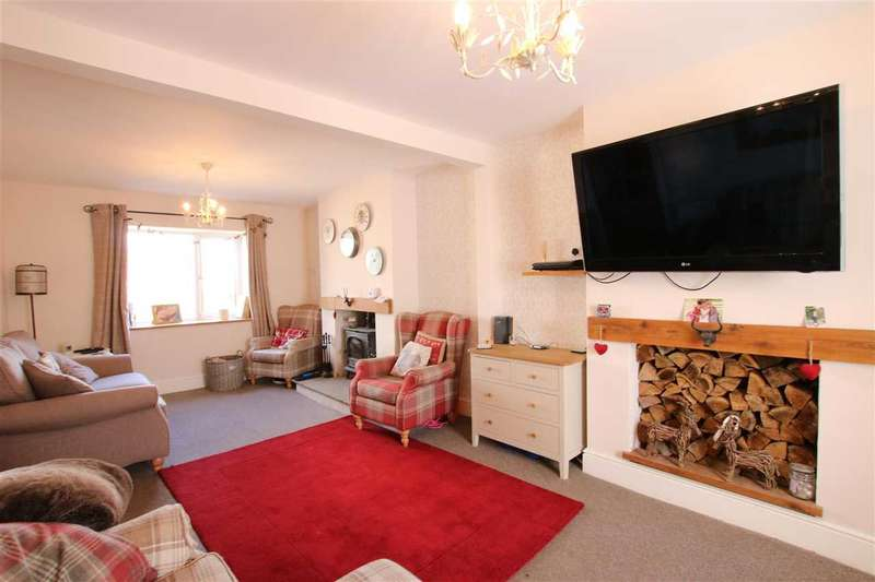 2 Bedrooms Terraced House for sale in Lodge Road, Kingswood, Bristol