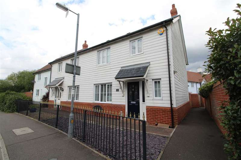 3 Bedrooms Semi Detached House for sale in Marsh Crescent, Rowhedge, Colchester