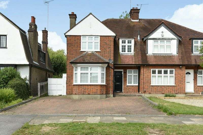 3 Bedrooms Semi Detached House for sale in Hillside Road, Northwood