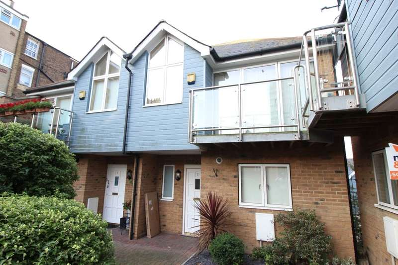 3 Bedrooms Flat for sale in Apsley Court, Ramsgate, CT11