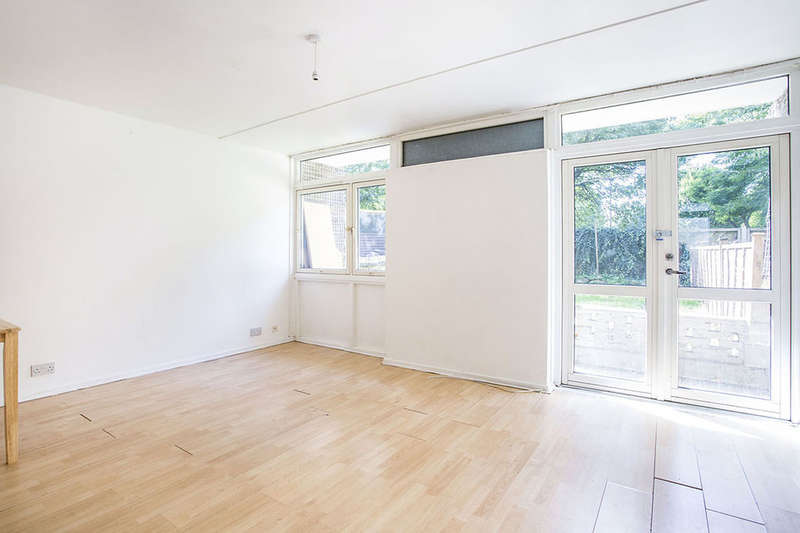 3 Bedrooms Flat for sale in Ilderton Road, London, SE15