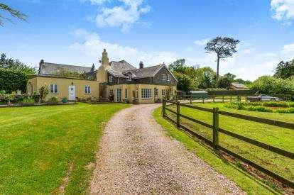 4 Bedrooms Semi Detached House for sale in Totnes, Devon
