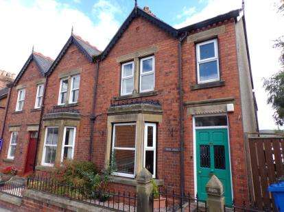 3 Bedrooms House for sale in Market Street, Ruthin, Denbighshire, LL15