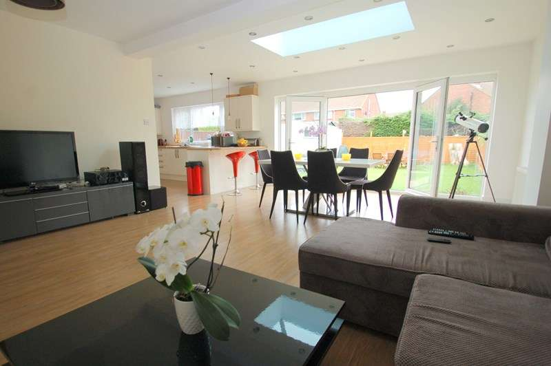 4 Bedrooms Detached House for sale in Oval Gardens, Alverstoke, Gosport