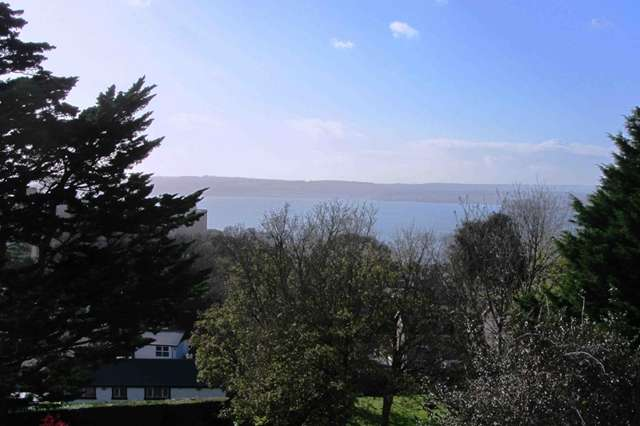 2 Bedrooms Flat for sale in Ellesmere, Lower Warberry Road, Torquay