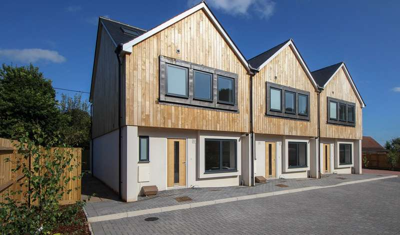 4 Bedrooms House for sale in Walter's Mews, Handcross, West Sussex, RH17