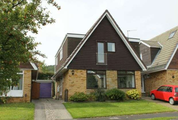 3 Bedrooms Detached House for sale in Farndale Drive, Pine Hills, Guisborough