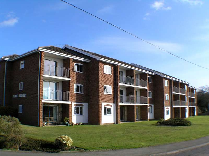 2 Bedrooms Ground Flat for sale in Ward Road, Totland Bay