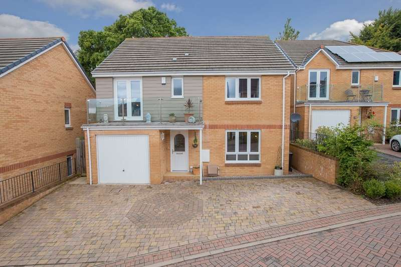 4 Bedrooms Detached House for sale in Drake Avenue, Teignmouth