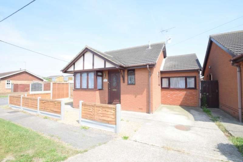 2 Bedrooms Detached Bungalow for sale in Fairlop Avenue, Canvey Island