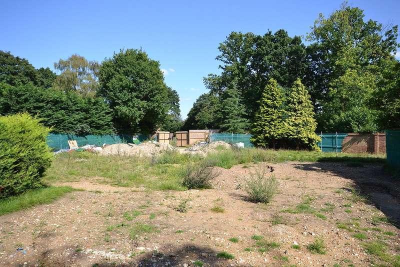 Detached House for sale in Burwood Park