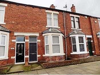 3 Bedrooms Terraced House for sale in Tullie Street, Carlisle, CA1 2BA