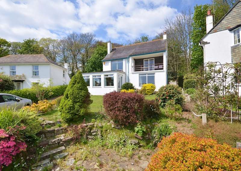 3 Bedrooms Detached House for sale in Landeryon Gardens, Penzance, Cornwall