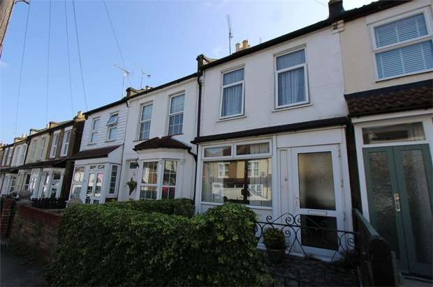 3 Bedrooms Cottage House for sale in 26 Leighville Grove, LEIGH-ON-SEA, Essex