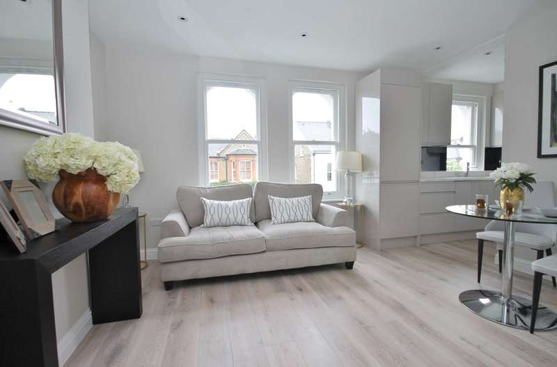 1 Bedroom Flat for sale in Lime Grove, New Malden