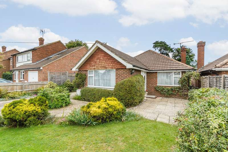 3 Bedrooms Detached Bungalow for sale in Bisley