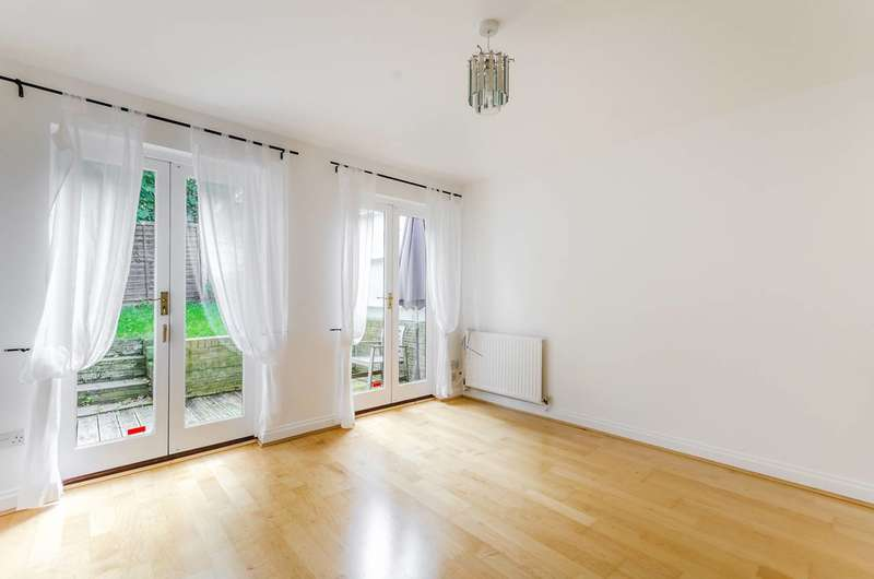 2 Bedrooms House for sale in Highgate Walk, Forest Hill, SE23