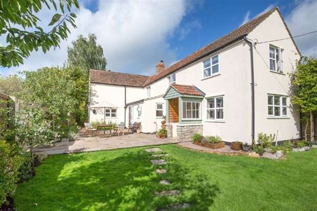 4 Bedrooms Detached House for sale in Burtle, Bridgwater
