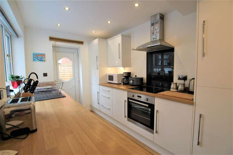 3 Bedrooms Terraced House for sale in Victoria Road, Walton Le Dale, Walton le Dale