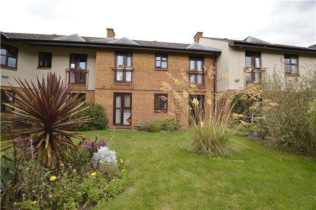 1 Bedroom Flat for sale in Rectory Court, Churchfield, Bishops Cleeve, CHELTENHAM, Gloucestershire, GL52 8LJ
