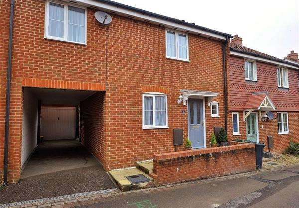 3 Bedrooms Terraced House for sale in Ashford, TN23