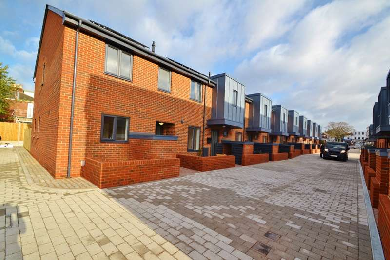 3 Bedrooms Terraced House for sale in Southampton
