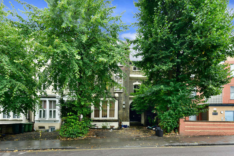 2 Bedrooms Flat for sale in Woodberry Grove, N4 1SN