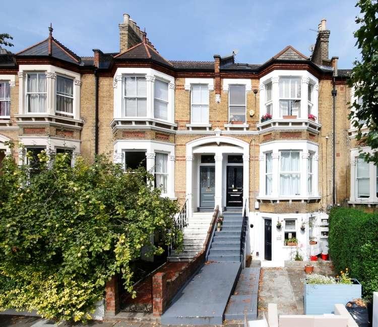 2 Bedrooms Flat for sale in Jerningham Road London SE14