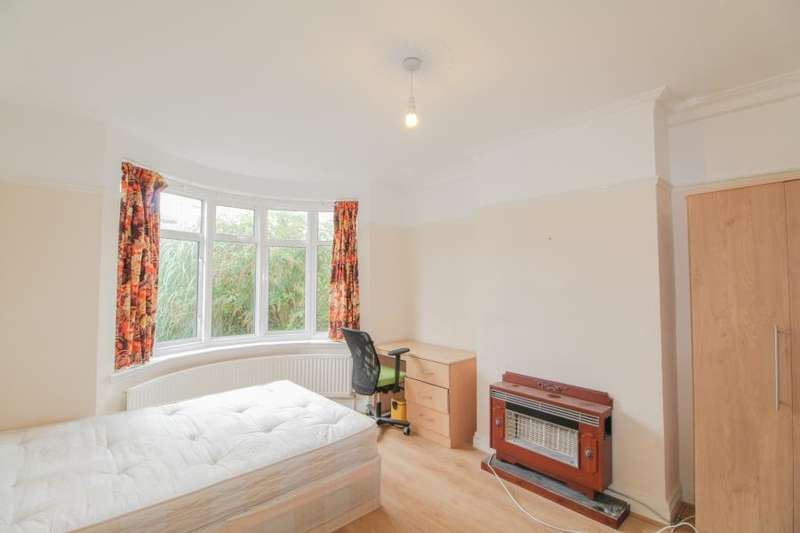 5 Bedrooms House for rent in Lingfield Avenue, Kingston