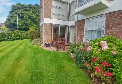 2 Bedrooms Flat for sale in Truro, Cornwall