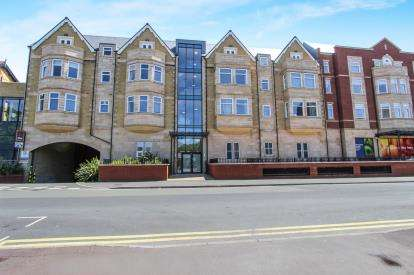 1 Bedroom Flat for sale in St. Georges Court, St. Georges Road, Lytham St. Annes, Lancashire, FY8