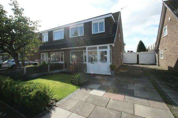 3 Bedrooms Semi Detached House for sale in Little Brook Road, Sale