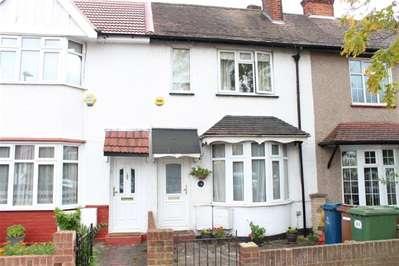 2 Bedrooms Terraced House for sale in Risingholme Road, Harrow Weald