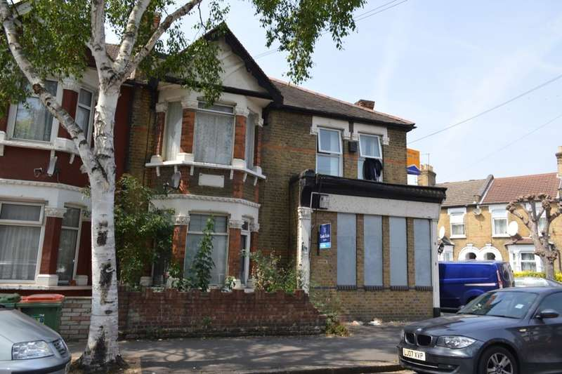 2 Bedrooms Flat for sale in Boundary Road, London, E13