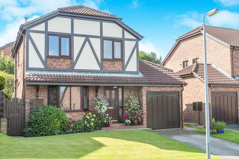4 Bedrooms Detached House for sale in Barnside Way, Macclesfield, SK10