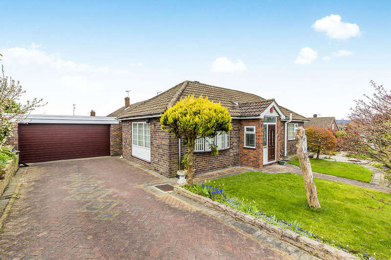 3 Bedrooms Detached Bungalow for sale in Plover Fields, Madeley, Crewe, CW3