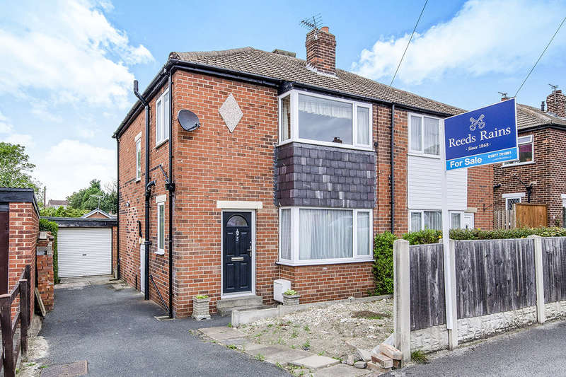 3 Bedrooms Semi Detached House for sale in Kingsley Avenue, Featherstone, Pontefract, WF7