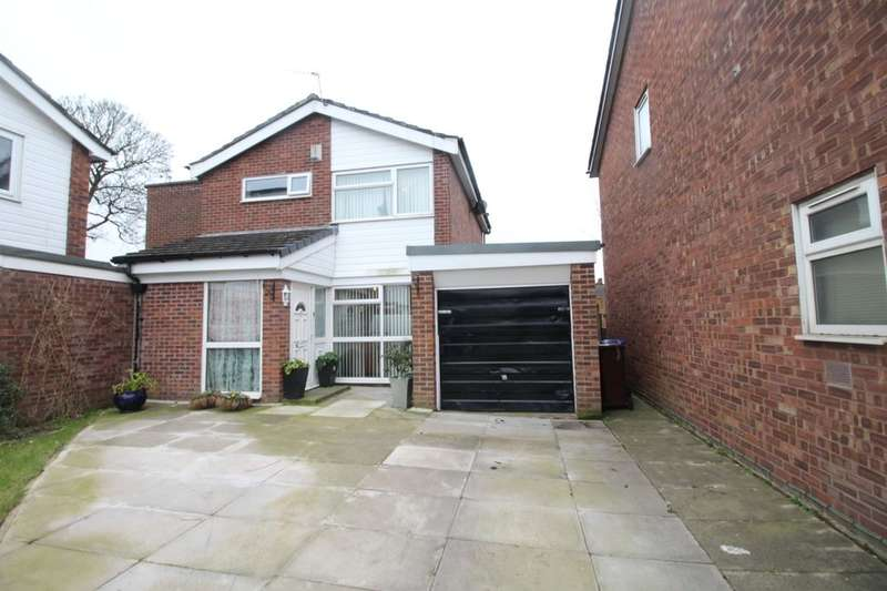 3 Bedrooms Semi Detached House for sale in Welshpool Close, MANCHESTER, M23