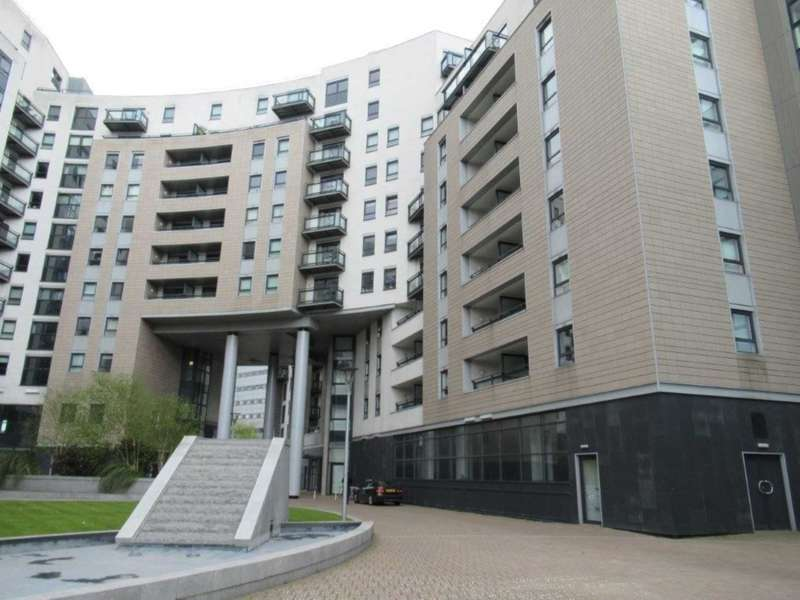 2 Bedrooms Apartment Flat for rent in The Gateway East, Leeds