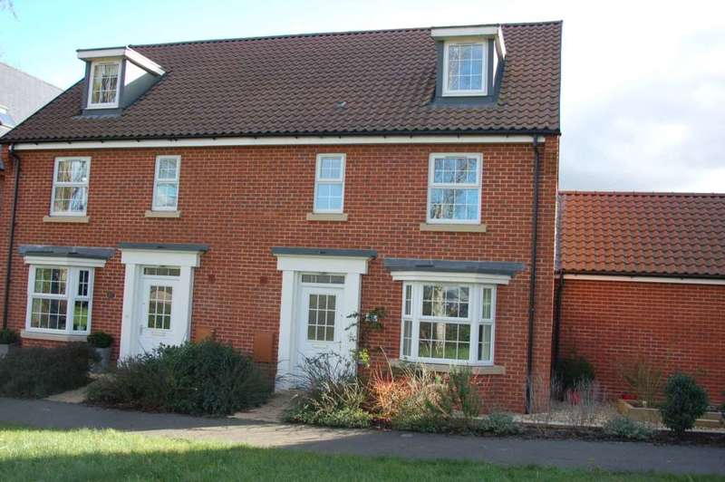 4 Bedrooms Semi Detached House for sale in Collett Road, Taunton