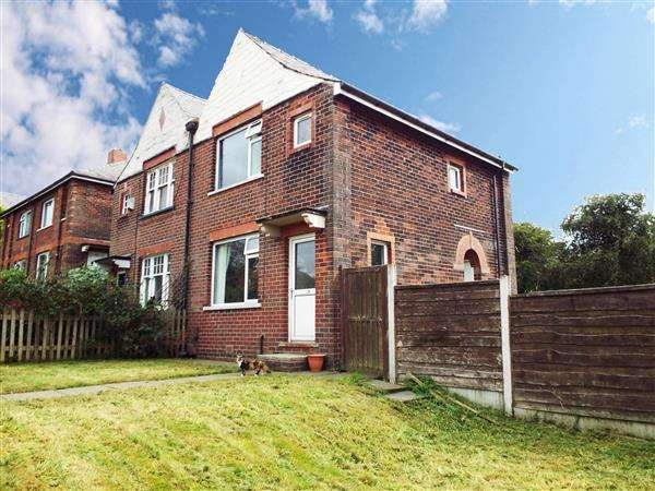3 Bedrooms Semi Detached House for sale in Middleton Road, Royton