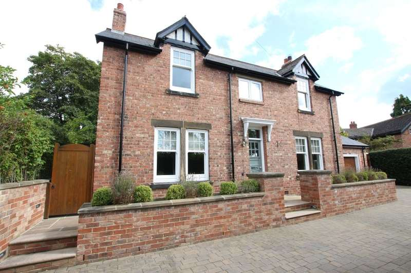 4 Bedrooms Detached House for sale in Strathmore Road, Rowlands Gill, NE39