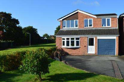 3 Bedrooms Detached House for sale in Irving Close, Lichfield, Staffordshire
