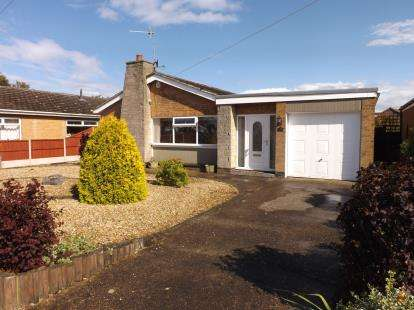 2 Bedrooms Bungalow for sale in St Marys Road, Skegness, Lincolnshire