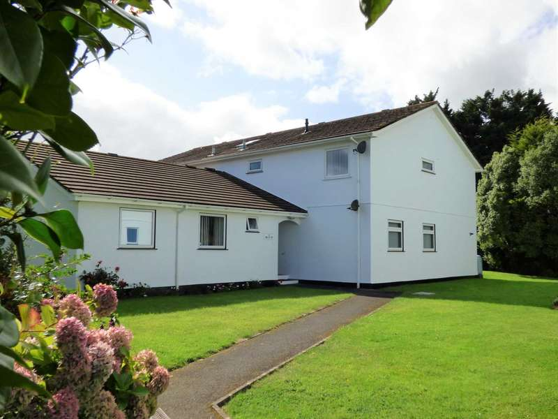 2 Bedrooms Flat for sale in Fairway Close, Churston Ferrers