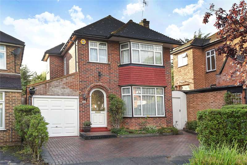 3 Bedrooms Detached House for sale in St. Andrews Drive, Stanmore, Middlesex, HA7