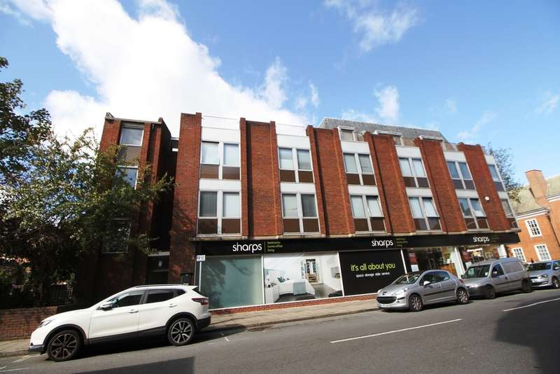 Flat for sale in Queens Road, Bromley