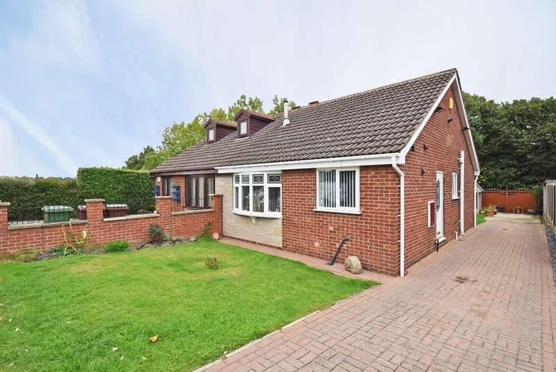 2 Bedrooms Semi Detached Bungalow for sale in Hollingthorpe Avenue, Hall Green